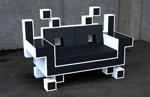 100801spaceinvadersofa